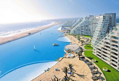 bassein 0007 أكبر و أنقى حمام سباحة في العالم بتكليف خمسة بلاين جنية استرليني  في تشيلي