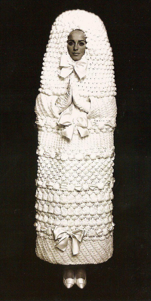 Mumi wedding dress