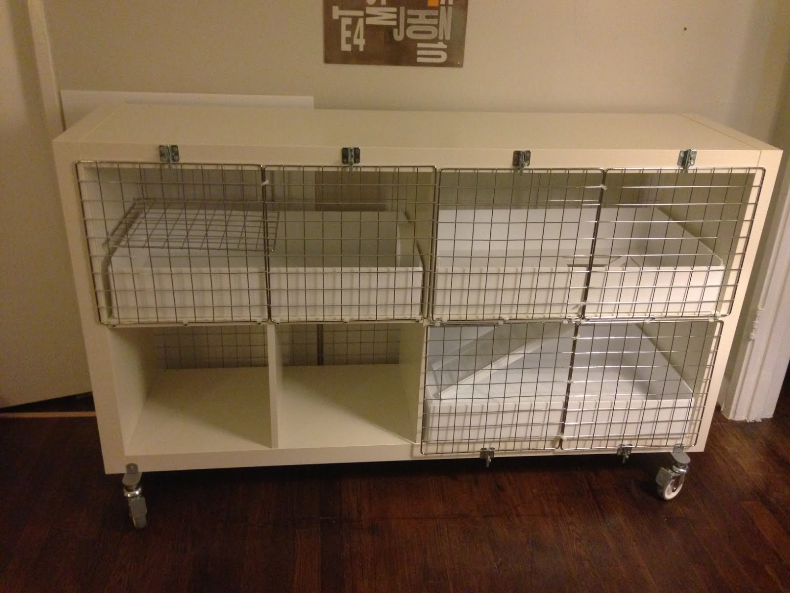 Expedit turned guinea pig condo ikea hackers ikea hackers for Diy guinea pig hutch