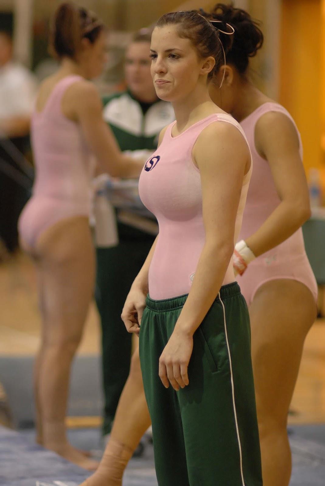 Спортивные девки с сиськами 19 фотография