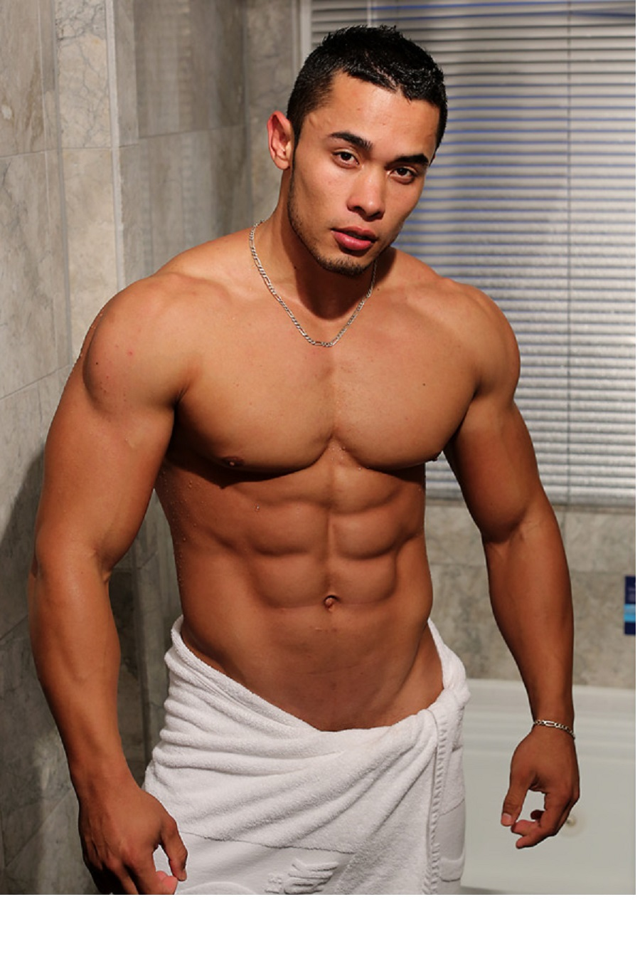 Sportsman Bulge Naked : Erection Bodybuilder