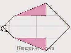 Bước 3: Gấp góc trái tờ giấy về phía mặt đằng sau.