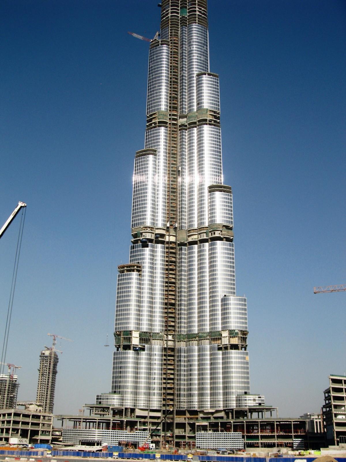 http://1.bp.blogspot.com/-eDRoHoSpmNY/Tc4TK-RiPdI/AAAAAAAACig/0cHb82iMMi4/s1600/Burj_Dubai+%252811%2529.jpeg