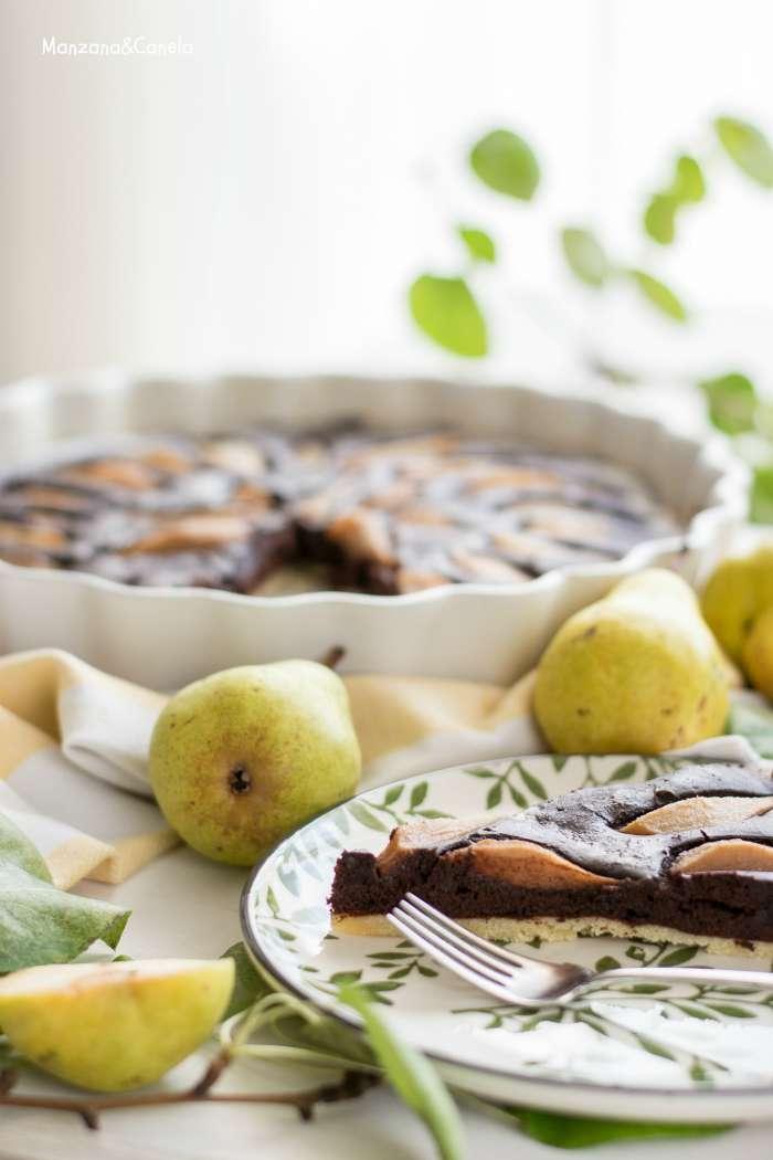 Tarta de chocolate y peras