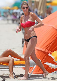 ERIN ANDREWS heading to the water