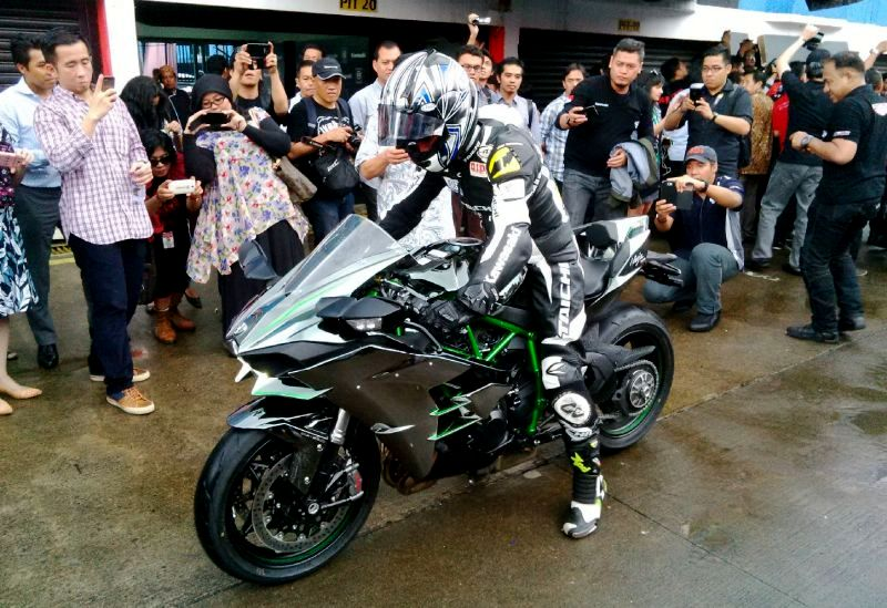PPh naik . . harga Kawasaki Ninja H2 juga ikutan naik sampai 30 Juta . . .