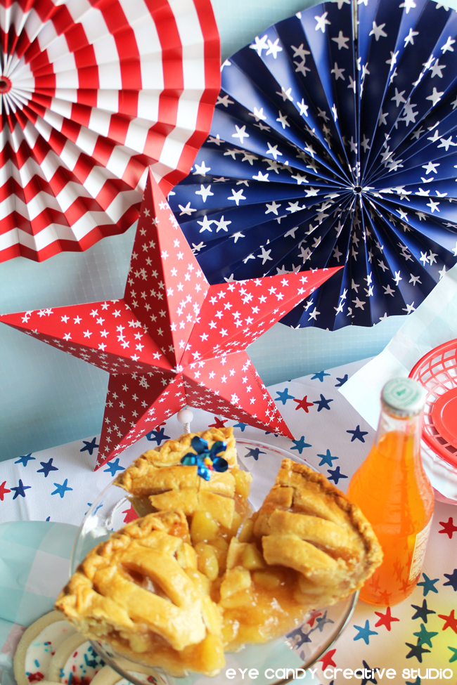 patriotic decor, red white & blue, applie pie, cookies, BBQ food, stars
