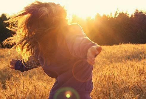 Girl Feel Free in Field