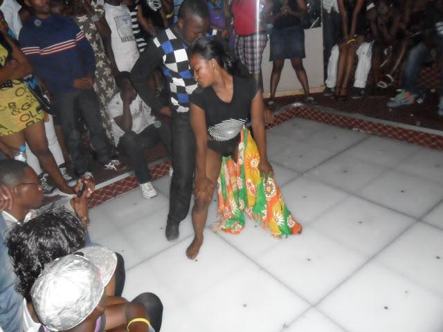 Za Ngono http://mastaawabongo.blogspot.com/2012/10/picha-chafu-za