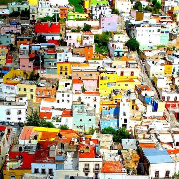 Zacatecas vista aérea casas de colores - México