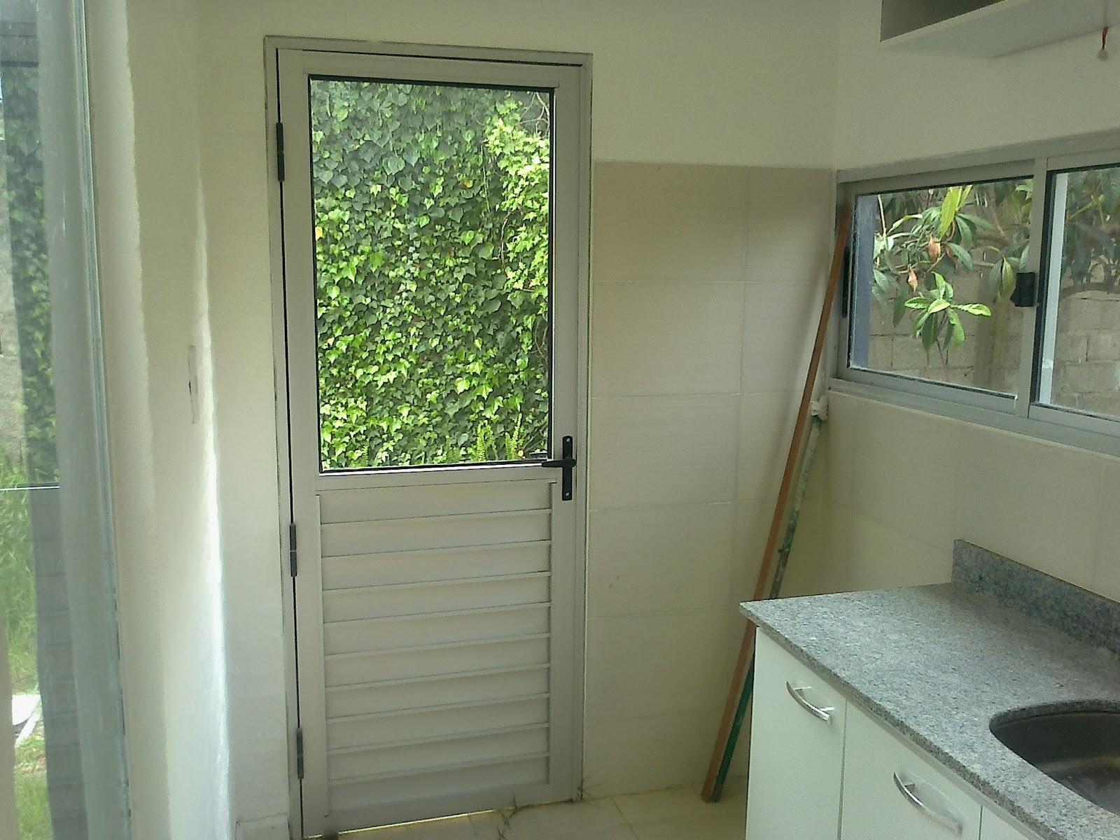Trabajo realizado para obras en el pinar interaberturas for Ventanas de aluminio para cocina