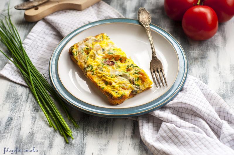 Omlet z makaronem przepis