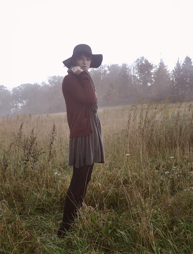 autumn outfit: floppy hat, gray dress, cardigan