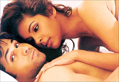 Mallika+sherawat+hot+pics+video