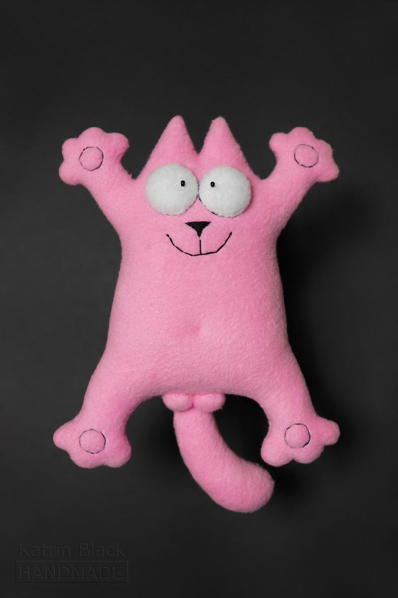 Розовый кот из флиса.