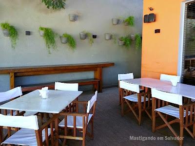Pereira Restaurante: Ambiente externo da unidade do Itaigara