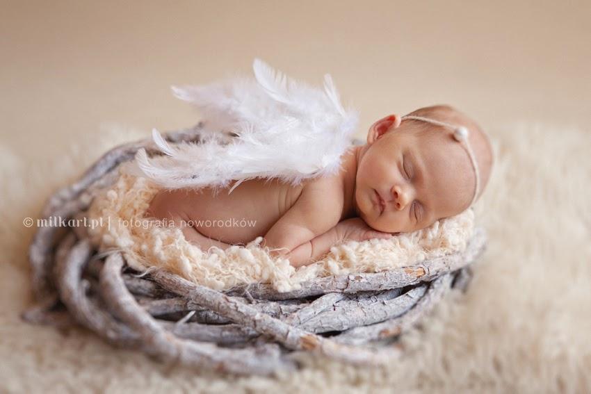 Sesje fotograficzne noworodków, zdjęcia niemowlaków, fotografia dziecięca, studio milkart Poznań, fotograf noworodkowy
