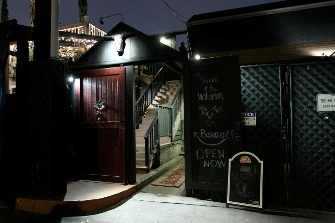 justluxe basement tavern sundays