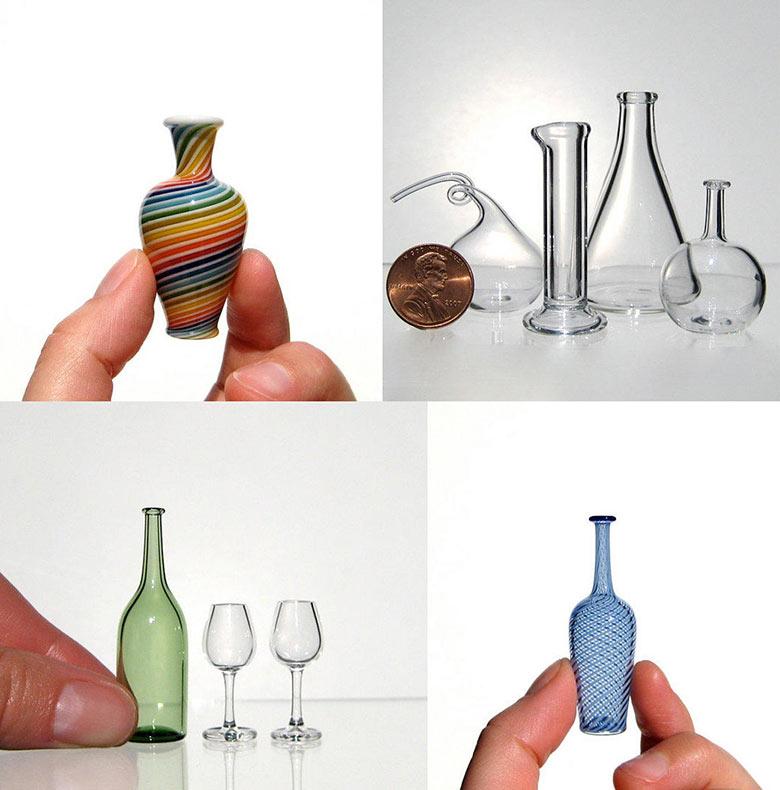 Recipientes de vidrio soplado en miniatura e instrumentos científicos por Kiva Ford