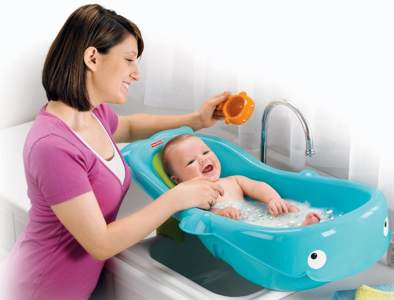 Baby from above: Baby Gear: Bath time