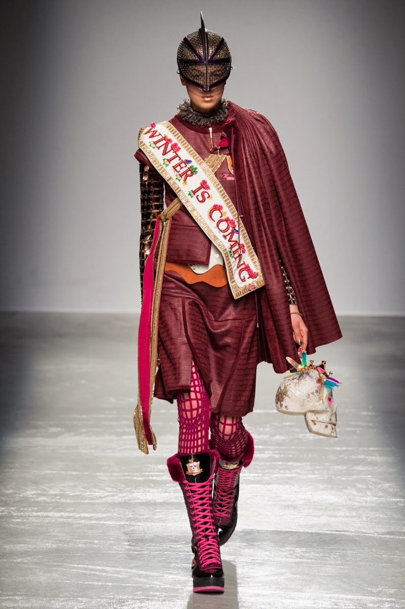 Manish Arora, Manish Arora AW15, Manish Arora FW15, Manish Arora Fall Winter 2015, Manish Arora Autumn Winter 2015, Manish Arora fall, Manish Arora fall 2015, du dessin aux podiums, dudessinauxpodiums, vintage look, dress to impress, dress for less, boho, unique vintage, alloy clothing, venus clothing, la moda, spring trends, tendance, tendance de mode, blog de mode, fashion blog, blog mode, mode paris, paris mode, fashion news, designer, fashion designer, moda in pelle, ross dress for less, fashion magazines, fashion blogs, mode a toi, revista de moda, vintage, vintage definition, vintage retro, top fashion, suits online, blog de moda, blog moda, ropa, asos dresses, blogs de moda, dresses, tunique femme, vetements femmes, fashion tops, womens fashions, vetement tendance, fashion dresses, ladies clothes, robes de soiree, robe bustier, robe sexy, sexy dress