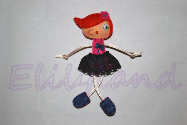 Mini-Elily muñeca fieltro rosa fucsia falda