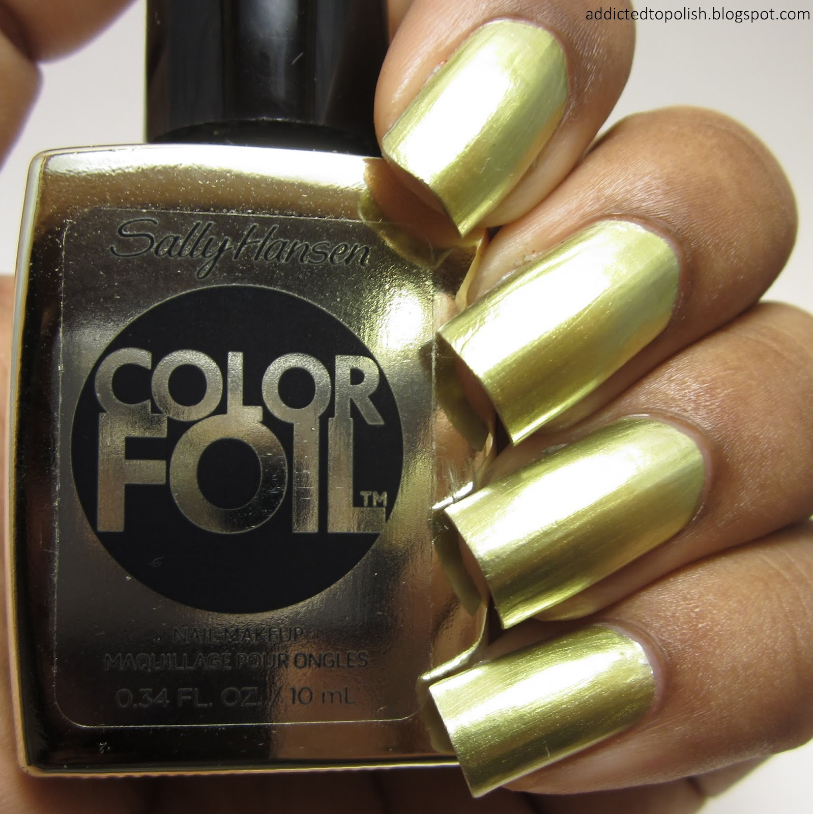 Sally-Hansen-Color-Foil-Yellow-Gold
