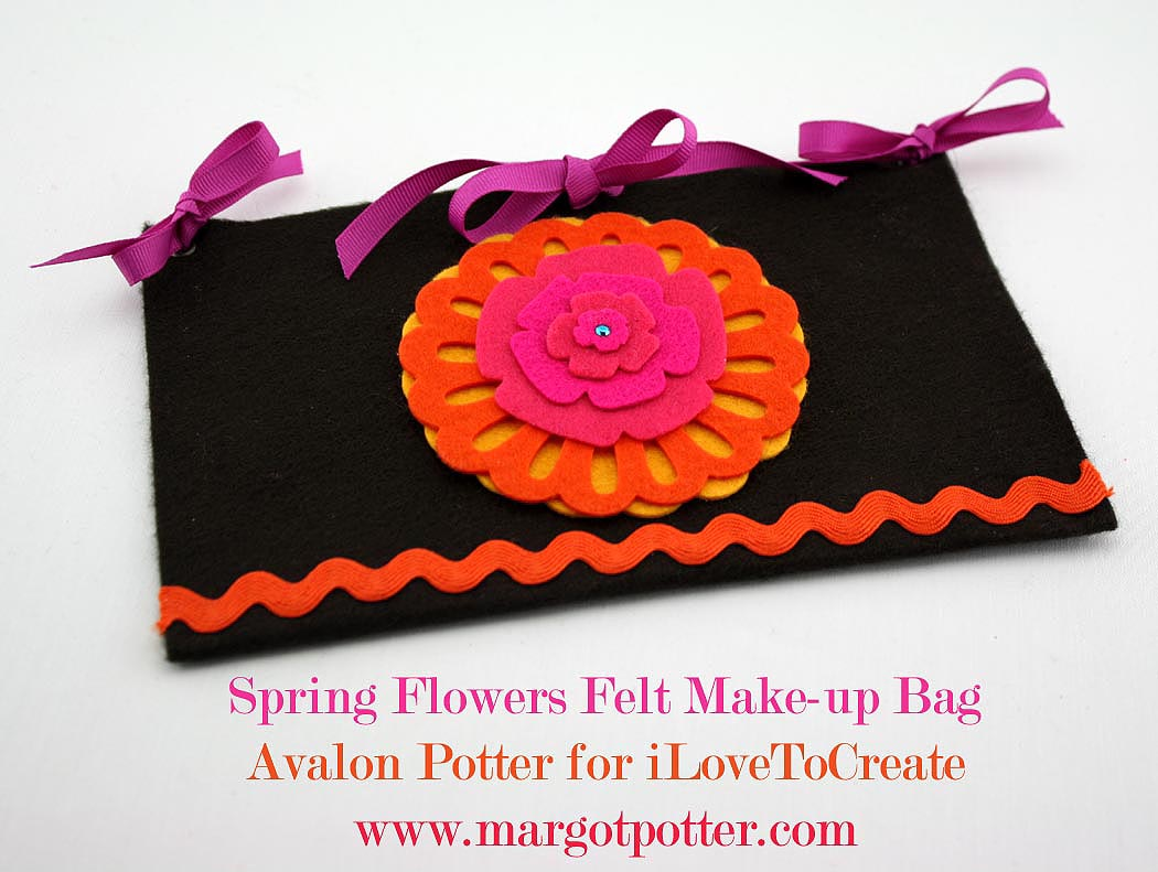 Avalon Potter for iLoveToCreate Teen Crafts Spring Flowers Felt Make-Up Bag