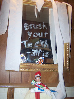Elf on the shelf ideas 2012 for Elf on the shelf bathroom ideas