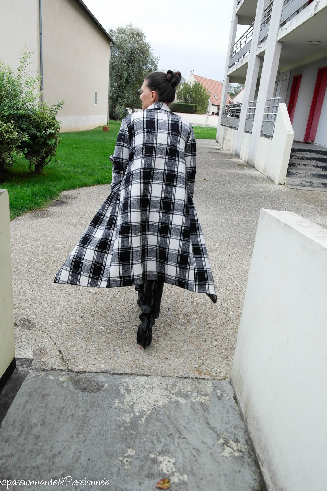 Porter le manteau long