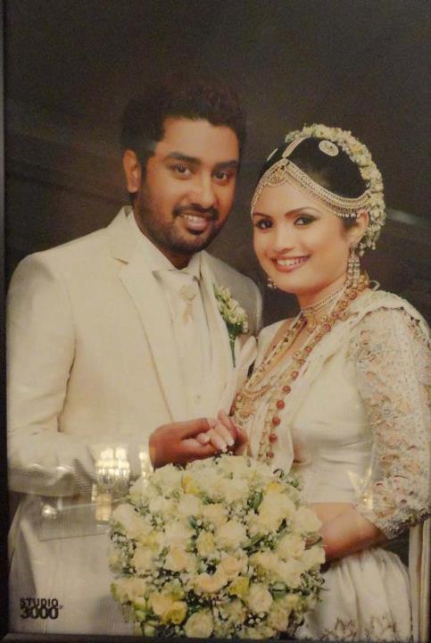 Our Lanka Romesh Sugathapala Wedding Photos