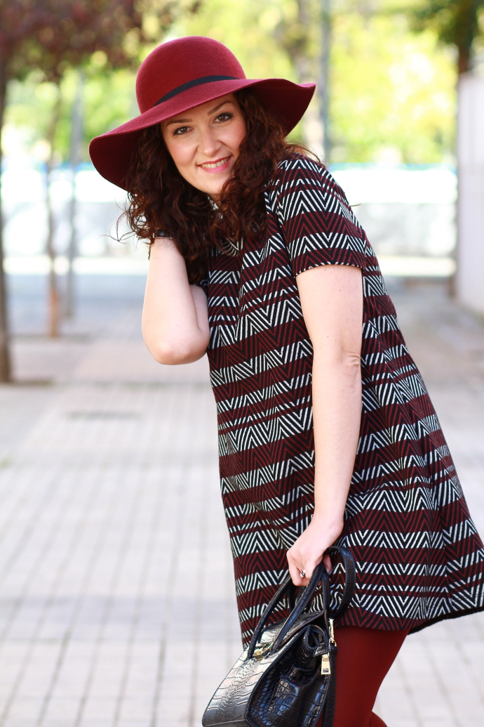 Vestido Dress  Zara. Reloj Watch  IKKS. Anillo Ring  Tienda Local Local  Store. Bolso Bag  Zara. Botines Ankle Boots  C A. Sombrero Hat  Parfois. a365bcad7e46