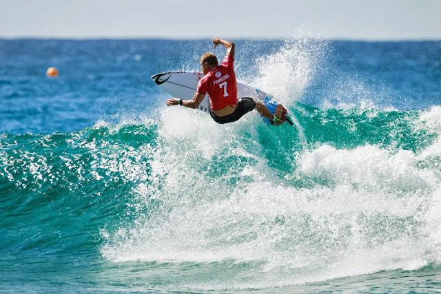 51 Quiksilver Pro Gold Coast 2015 Mick Fanning Foto WSL Kelly Cestari