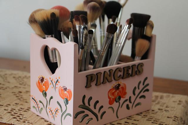 Brushes Box