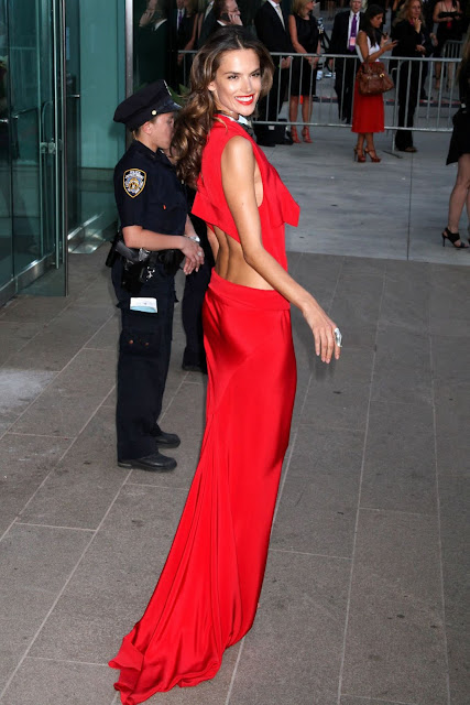 Alessandra Ambrosio At 2011 CFDA Fashion Awards Pictures Gallery