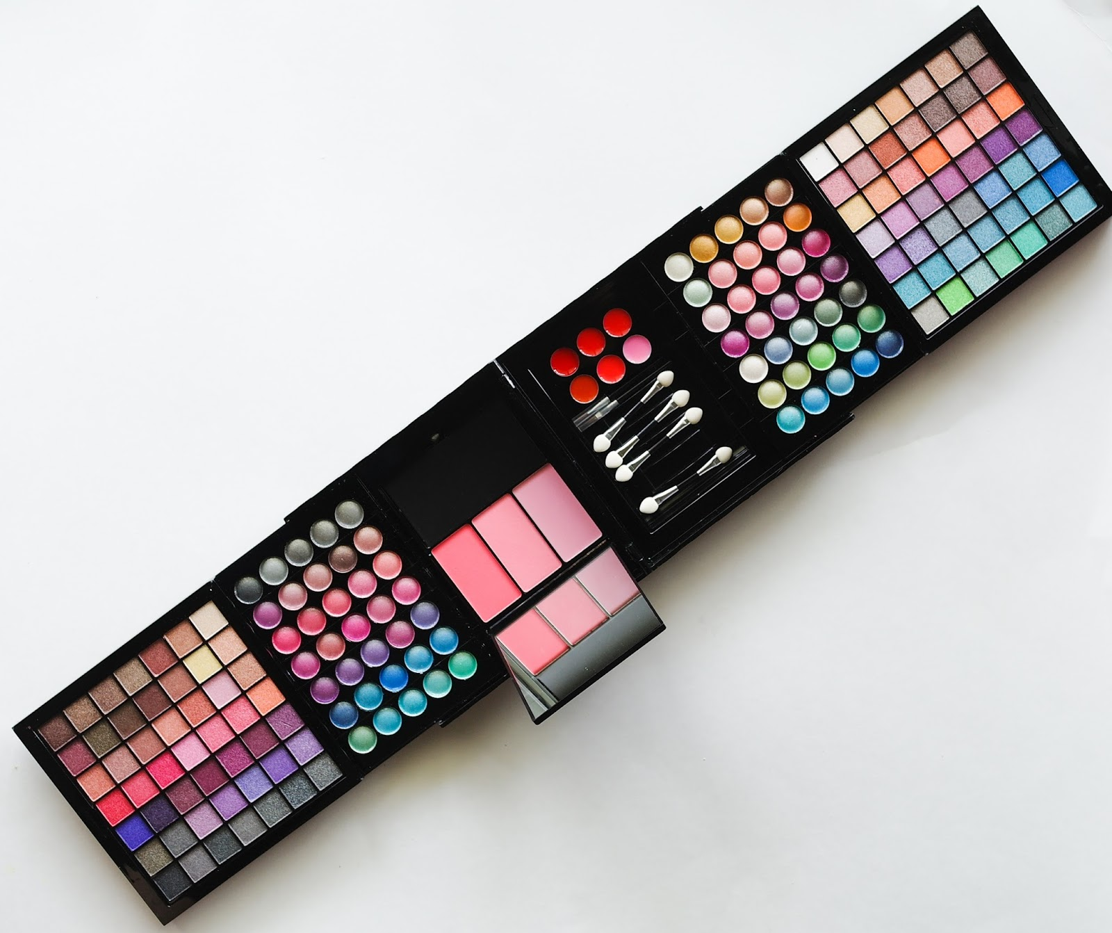 shany makeup kit. beauty review: ivation all-in-one makeup kit gift set - for those who like their all in one place! shany