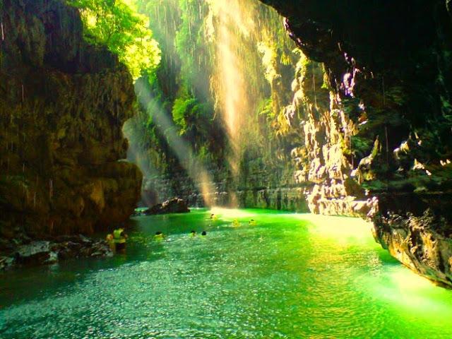 Wisata Alam Green Canyon (Cukang Taneuh) Ciamis