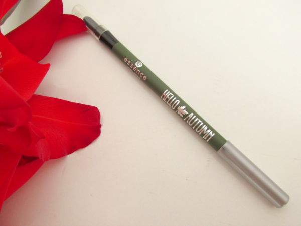 essence Hello Autumn Eyepencil 02 Charlie Seen Green review