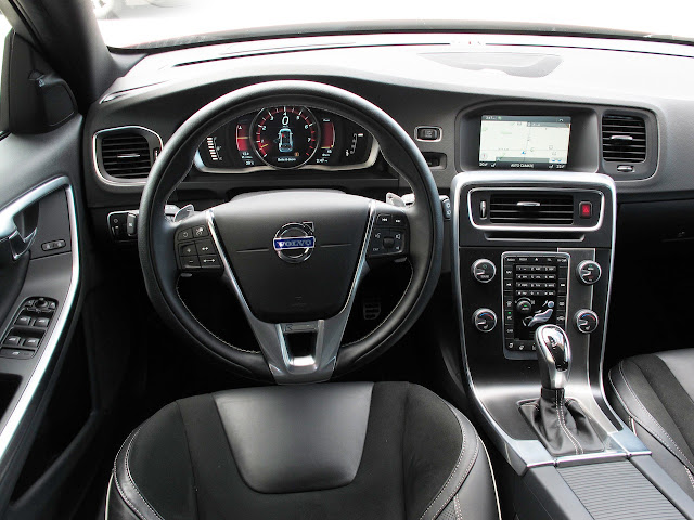 Interior view of 2015 Volvo V60 T6 R-Design