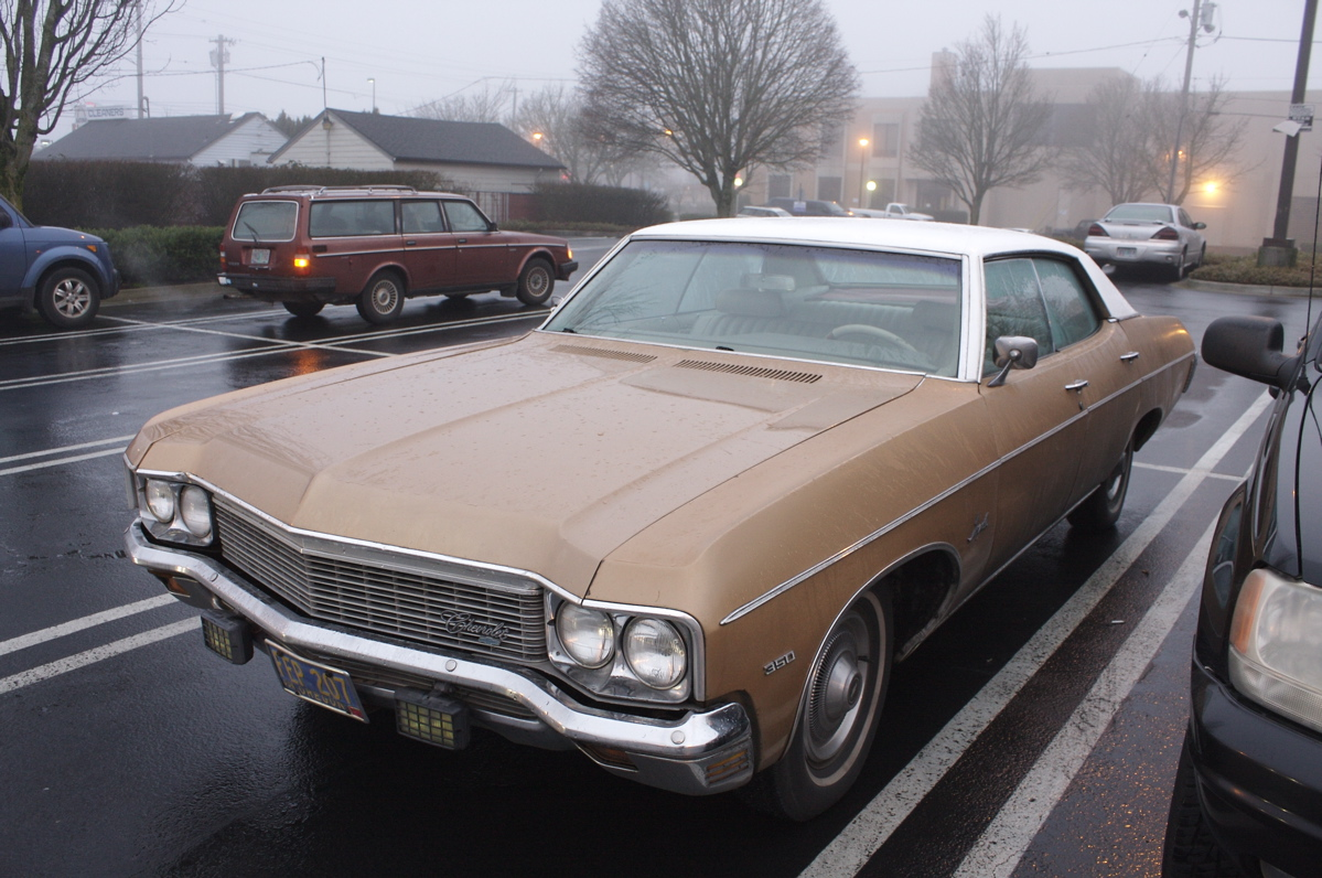 Old Parked Cars 1970 Chevrolet Impala 4 Door Hardtop