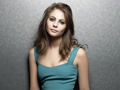 Willa Holland Lovely Wallpaper