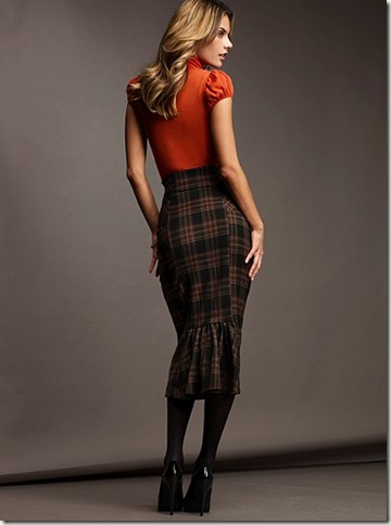 How-to-Wear-Tops-with-Skirts?
