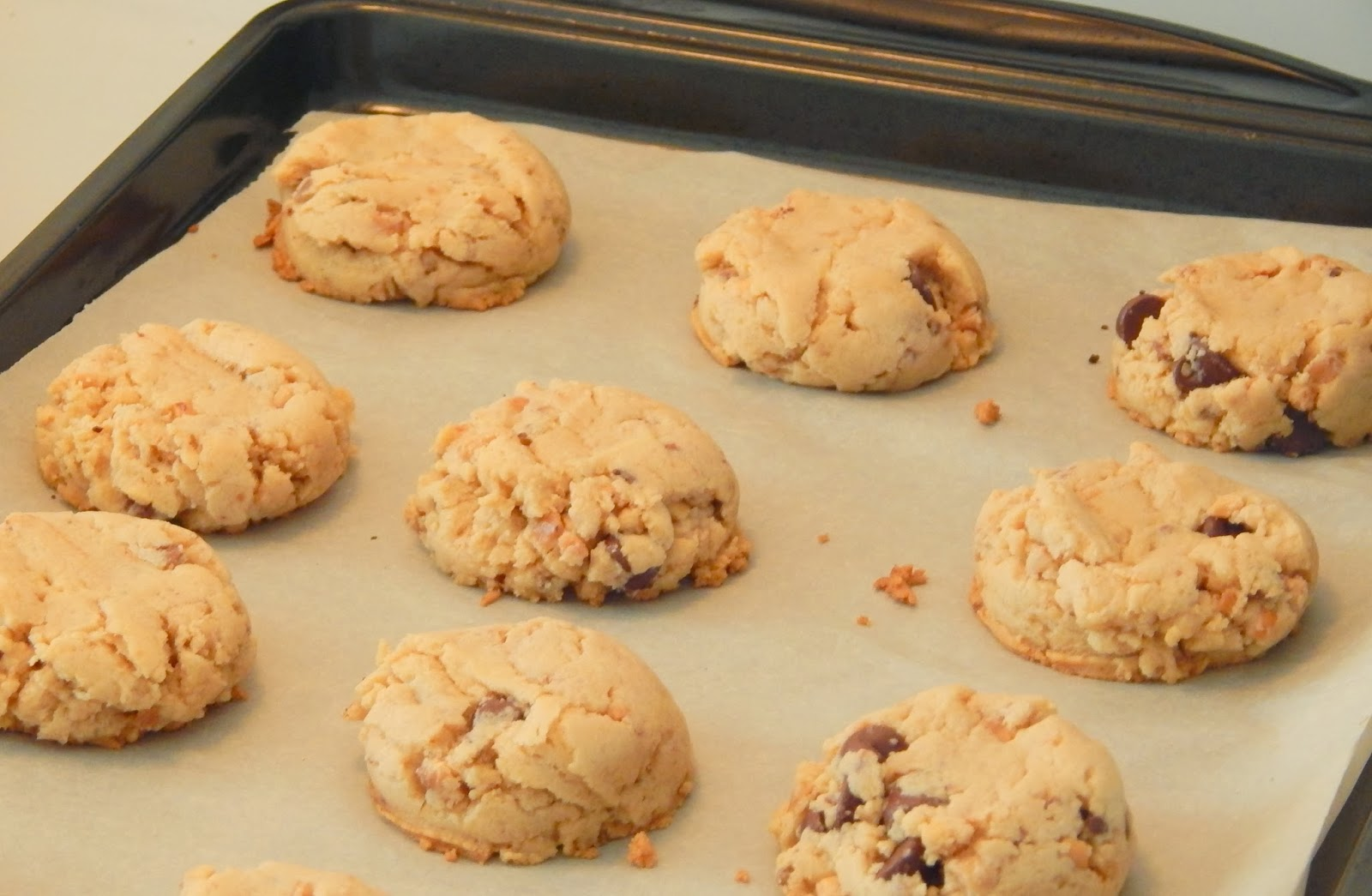 GingerBabyMama: Peanut Butter Heath Bar Cookies