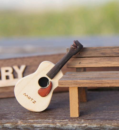 Wooden Guitar USB Memory 16G