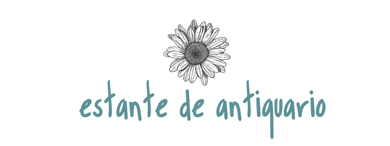 Estante de Antiquário