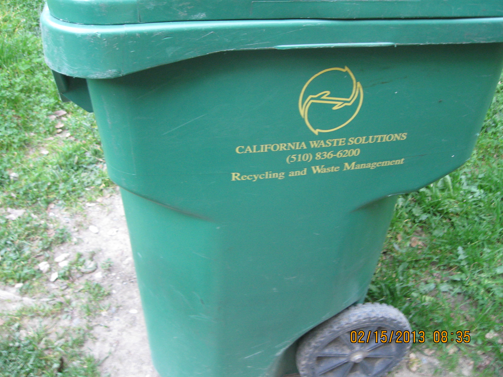 Tenants of caldecott lane oakland california keeping on cleaning up caldecott lane - Garden waste containers ...