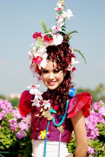 Праздник необычных цветов и цветочных костюмов сценарий