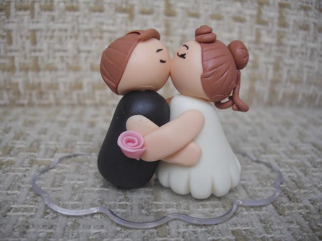 Noivinhos, lembrança de casamento em biscuit