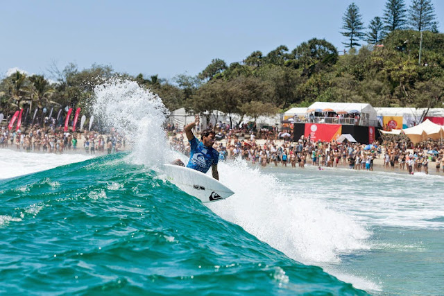 4 Quiksilver Pro Gold Coast 2015 Jeremy Flores Foto WSL Kelly Cestari