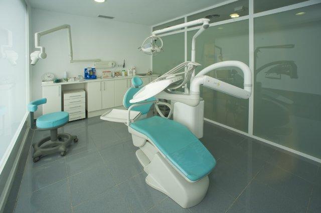 Dentista dr marcelo toledo cl nicas dentales en zaragoza for Clinica dental el escorial